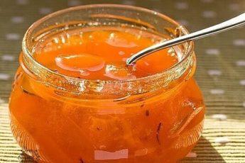 Абрикосовое варенье с апельсинами.