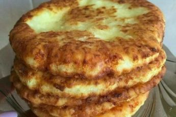 Быстрый рецепт вкусных сырных лепешек за 15 минут 1
