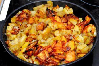 Ошибка всех хозяек: что нельзя делать при жарке картошки