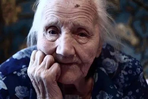 Стареющая мама написала письмо молодым детям. Такое точное, что аж больно. Берегите мам 1