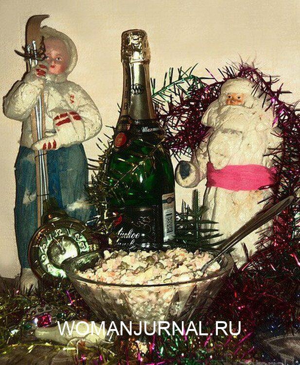 Новогодний стол во времена Советского Союза. Вы до сих считаете, что тогда люди жили плохо 4