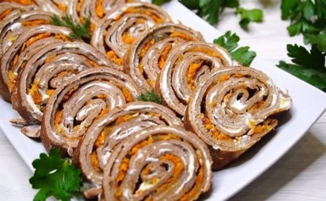 Рецепт праздничного рулета из печени. Отличная замена печеночному торту 1