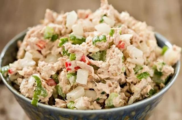 5 рецептов вкусных салатов, которые готовятся 15 минут 8